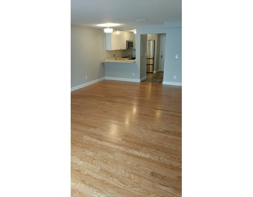 Additional photo for property listing at 24 South Street #27 24 South Street #27 Medford, Massachusetts 02155 États-Unis