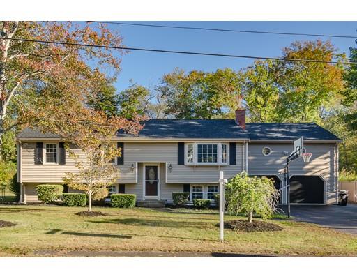 Casa Unifamiliar por un Venta en 10 College Road 10 College Road Bridgewater, Massachusetts 02324 Estados Unidos