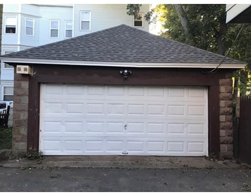 Casa Unifamiliar por un Alquiler en 37 Brookfield Street Lawrence, Massachusetts 01843 Estados Unidos
