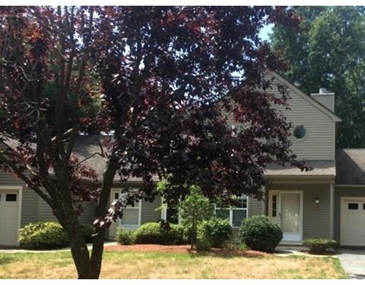 Appartement en copropriété pour l Vente à 301 Ridgefield Circle 301 Ridgefield Circle Clinton, Massachusetts 01510 États-Unis