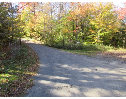 Terreno por un Venta en Powell Road Powell Road Cummington, Massachusetts 01026 Estados Unidos