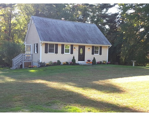 Single Family Home for Sale at 160 North Street 160 North Street Norfolk, Massachusetts 02056 United States