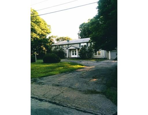 Casa Unifamiliar por un Alquiler en 8 Angelos Road 8 Angelos Road Stoughton, Massachusetts 02072 Estados Unidos