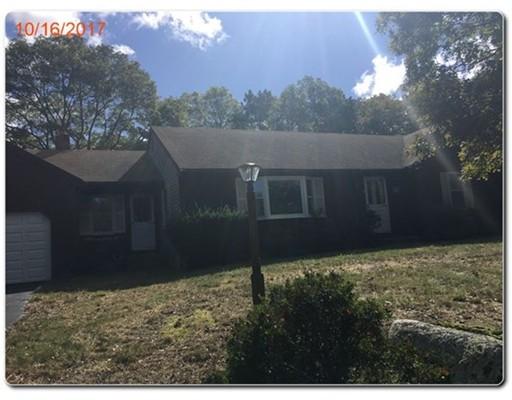 Maison unifamiliale pour l Vente à 7 Hobbler Road 7 Hobbler Road Bourne, Massachusetts 02532 États-Unis