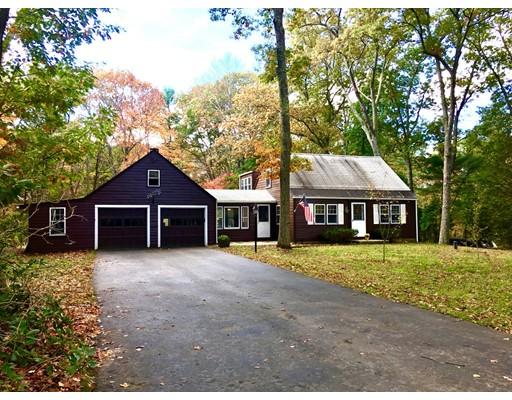 Additional photo for property listing at 415 Cross Street  Carlisle, Massachusetts 01741 Estados Unidos