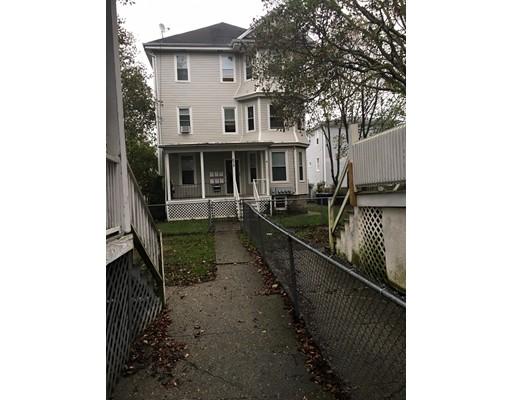 متعددة للعائلات الرئيسية للـ Sale في 672 2Nd Street 672 2Nd Street Fall River, Massachusetts 02721 United States