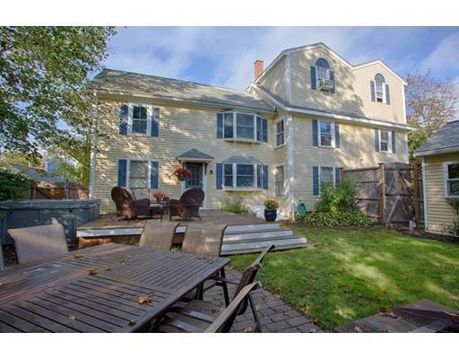 متعددة للعائلات الرئيسية للـ Sale في 5 Cross Street 5 Cross Street Danvers, Massachusetts 01923 United States