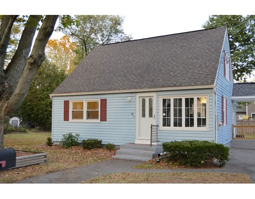 واحد منزل الأسرة للـ Sale في 16 Vienna Avenue 16 Vienna Avenue Ludlow, Massachusetts 01056 United States