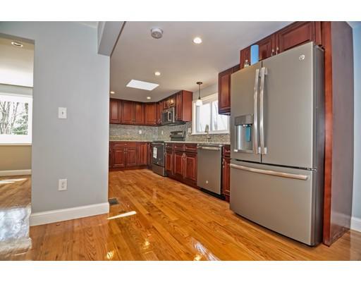 واحد منزل الأسرة للـ Sale في 234 Union Turnpike 234 Union Turnpike Concord, Massachusetts 01742 United States