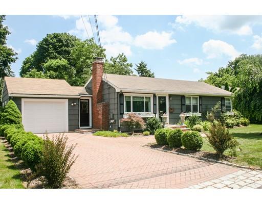 Casa para uma família para Venda às 19 Wellesley Road 19 Wellesley Road Natick, Massachusetts 01760 Estados Unidos