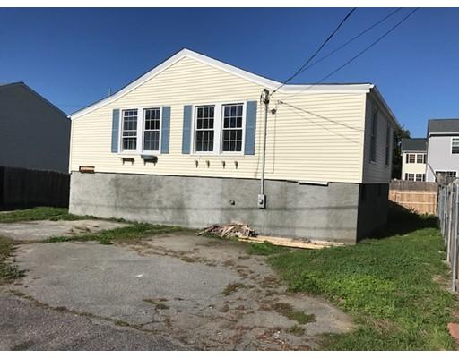 واحد منزل الأسرة للـ Sale في 340 Neptune Street 340 Neptune Street Fall River, Massachusetts 02721 United States