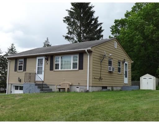 独户住宅 为 销售 在 24 Buchanan Street 24 Buchanan Street Johnston, 罗得岛 02929 美国