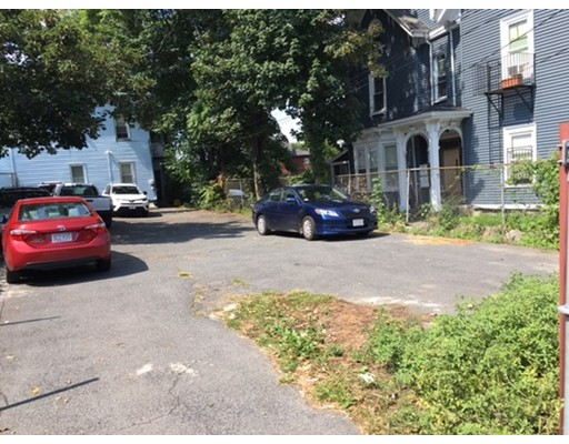 Terrain pour l Vente à 9 Greenville Street 9 Greenville Street Boston, Massachusetts 02119 États-Unis