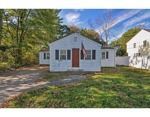 Single Family Home for Sale at 13 Pleasant Circle 13 Pleasant Circle Canton, Massachusetts 02021 United States