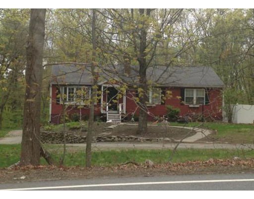 Maison unifamiliale pour l Vente à 65 Old Westboro Road 65 Old Westboro Road Grafton, Massachusetts 01536 États-Unis