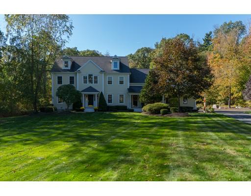 独户住宅 为 销售 在 105 Pine Street 105 Pine Street Norwell, 马萨诸塞州 02061 美国