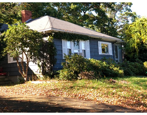 独户住宅 为 销售 在 45 Durso Avenue 45 Durso Avenue Lawrence, 马萨诸塞州 01843 美国