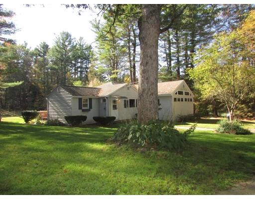 واحد منزل الأسرة للـ Sale في 17 Orcuttville Road 17 Orcuttville Road Stafford, Connecticut 06076 United States