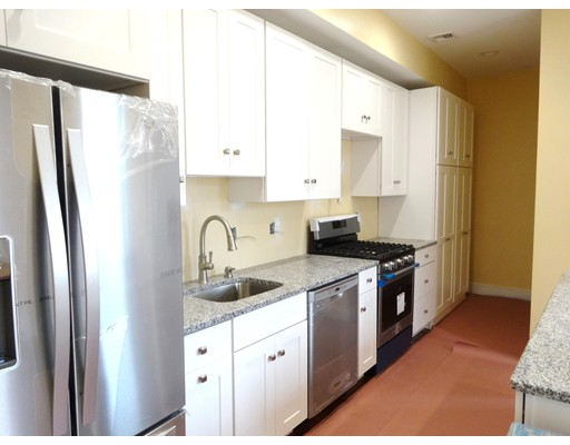 Additional photo for property listing at 650 E Seventh  Boston, Massachusetts 02127 Estados Unidos