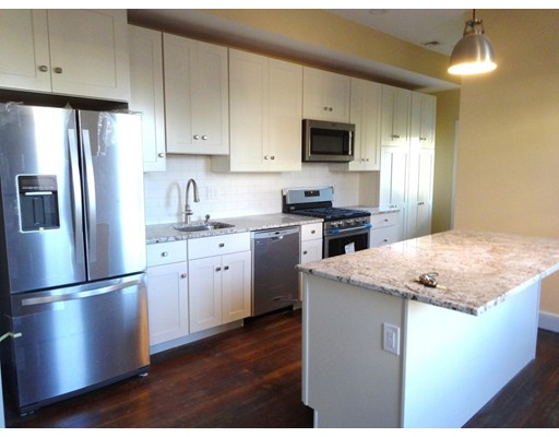 Casa Unifamiliar por un Alquiler en 650 E Seventh Boston, Massachusetts 02127 Estados Unidos