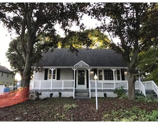 واحد منزل الأسرة للـ Sale في 7 Henrietta Drive 7 Henrietta Drive Acushnet, Massachusetts 02743 United States