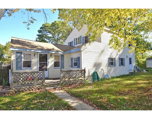 独户住宅 为 销售 在 5 Overlook Road 5 Overlook Road Holbrook, 马萨诸塞州 02343 美国