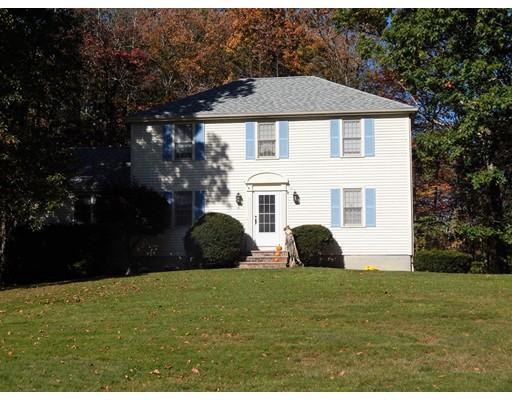 واحد منزل الأسرة للـ Sale في 4 Parsonage Hill Road 4 Parsonage Hill Road Haverhill, Massachusetts 01832 United States