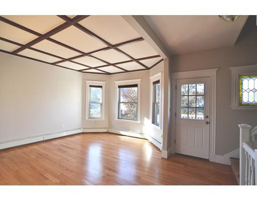 Apartamento por un Alquiler en 35 Sheridan #2 35 Sheridan #2 Medford, Massachusetts 02155 Estados Unidos