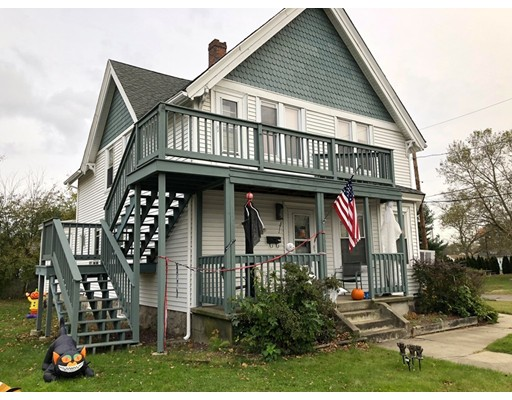 Maison avec plusieurs logements pour l Vente à 371 Pulaski Blvd 371 Pulaski Blvd Bellingham, Massachusetts 02019 États-Unis