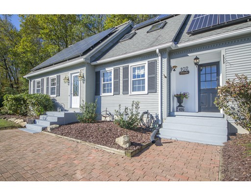 Single Family Home for Sale at 102 Stebbins Road 102 Stebbins Road Monson, Massachusetts 01057 United States