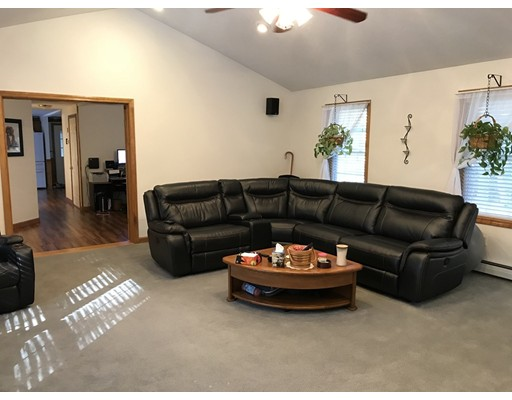 Single Family Home for Sale at 21 Becky Avenue 21 Becky Avenue Gardner, Massachusetts 01440 United States