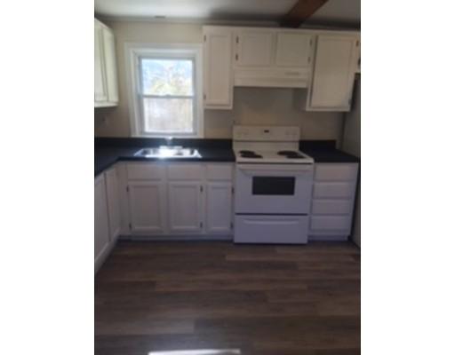 Casa Unifamiliar por un Venta en 14 Almon Avenue 14 Almon Avenue Brockton, Massachusetts 02301 Estados Unidos