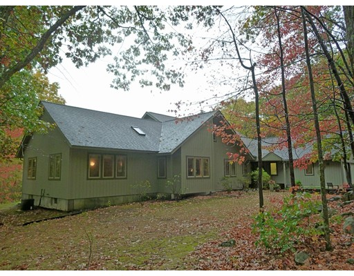 Single Family Home for Sale at 3 The Jog 3 The Jog Hatfield, Massachusetts 01039 United States