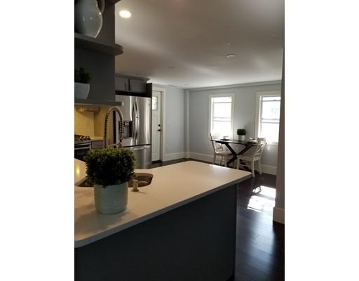 Maison avec plusieurs logements pour l Vente à 11 Pond Street 11 Pond Street Lynn, Massachusetts 01904 États-Unis