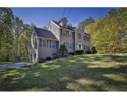 Single Family Home for Sale at 66 Mulberry Lane 66 Mulberry Lane Chester, New Hampshire 03036 United States