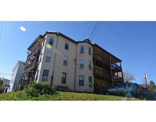 متعددة للعائلات الرئيسية للـ Sale في 110 Pine Street 110 Pine Street Southbridge, Massachusetts 01550 United States