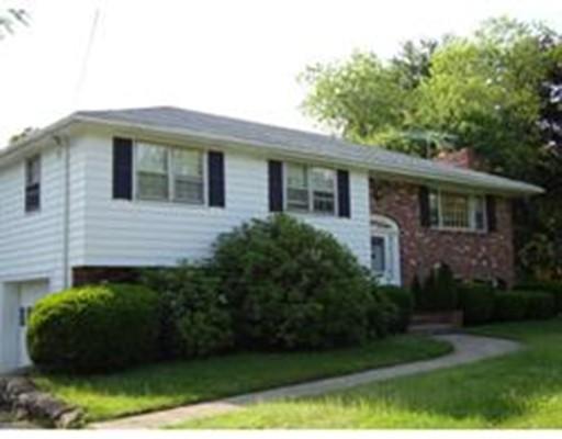 Maison unifamiliale pour l à louer à 41 Oak Street #41 41 Oak Street #41 Westwood, Massachusetts 02090 États-Unis