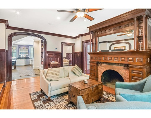 Additional photo for property listing at 208 Aspinwall Avenue  Brookline, Massachusetts 02446 United States