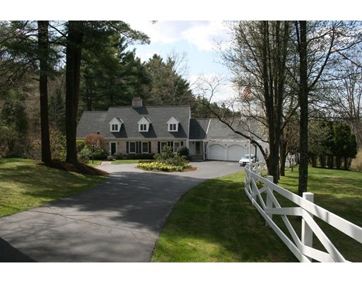 Additional photo for property listing at 107 Farm Street 107 Farm Street Dover, Massachusetts 02030 Estados Unidos