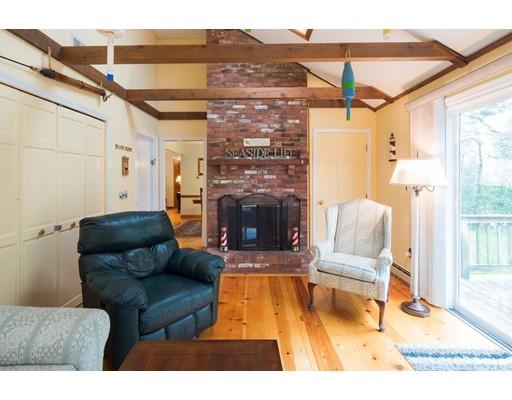 واحد منزل الأسرة للـ Sale في 302 Training Field Road 302 Training Field Road Chatham, Massachusetts 02633 United States