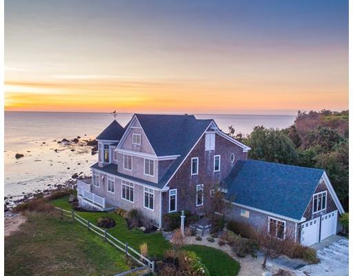 واحد منزل الأسرة للـ Sale في 135 Stage Point Road 135 Stage Point Road Plymouth, Massachusetts 02360 United States