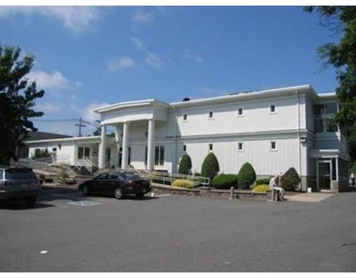 Comercial por un Venta en 1351 Main Street 1351 Main Street Brockton, Massachusetts 02301 Estados Unidos