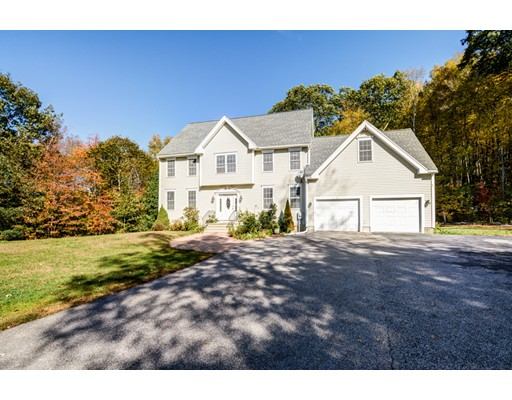 Single Family Home for Sale at 1 Crowl Hill Road 1 Crowl Hill Road Auburn, Massachusetts 01501 United States
