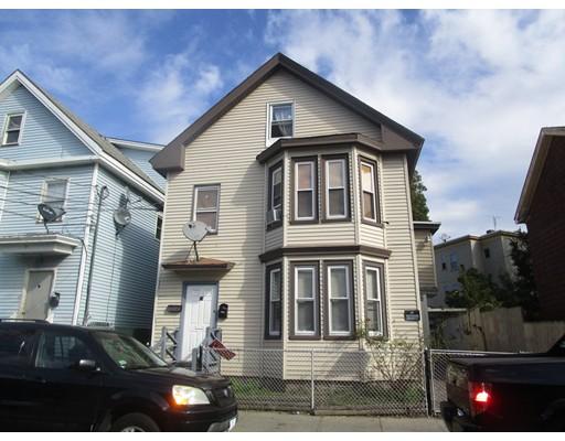 Maison avec plusieurs logements pour l Vente à 19 Bunkerhill Street 19 Bunkerhill Street Lawrence, Massachusetts 01841 États-Unis
