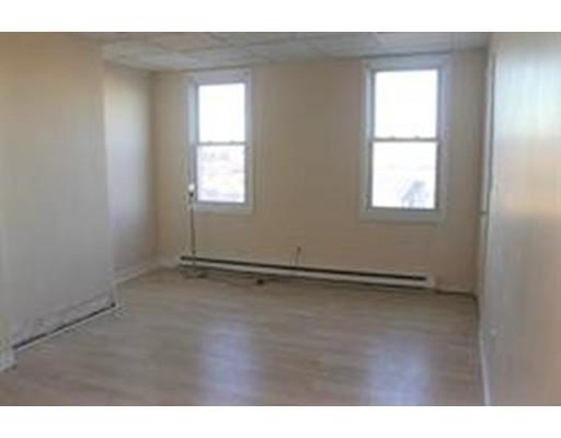 独户住宅 为 出租 在 65 condor Street 波士顿, 马萨诸塞州 02128 美国