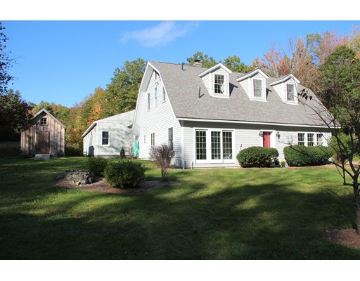 Casa Unifamiliar por un Venta en 41 Bear Mountain Road 41 Bear Mountain Road Wendell, Massachusetts 01379 Estados Unidos