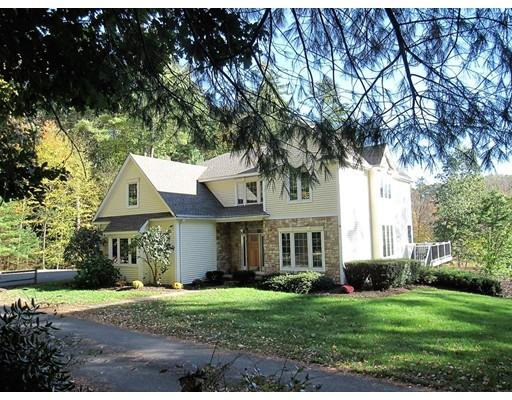 واحد منزل الأسرة للـ Sale في 711 Lampblack Road 711 Lampblack Road Greenfield, Massachusetts 01301 United States