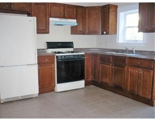 独户住宅 为 出租 在 3 Bluff 伍斯特, 马萨诸塞州 01610 美国