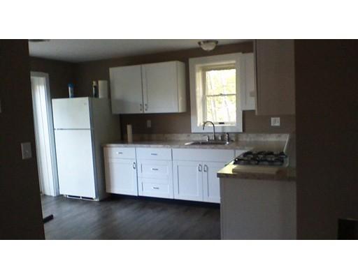 公寓 为 出租 在 2063 Elm St #2 2063 Elm St #2 Dighton, 马萨诸塞州 02715 美国