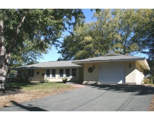 Single Family Home for Rent at 17 Dublin Road 17 Dublin Road Peabody, Massachusetts 01960 United States